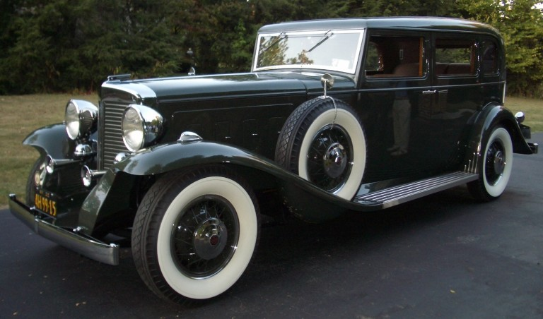 1932 Sixteen - Owned by John & Beverly Bradley