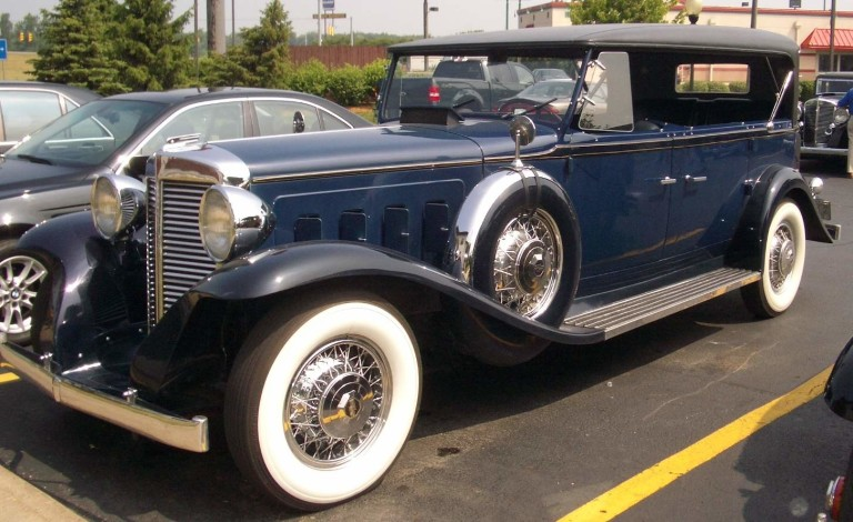 1932 Sixteen - Owned by Bruce R. and Mary Williams
